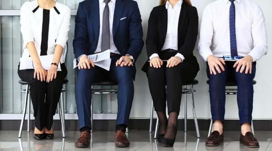 در مصاحبه استخدامی چی بپوشیم؟+نکات مهم لباس مناسب مصاحبه استخدامی