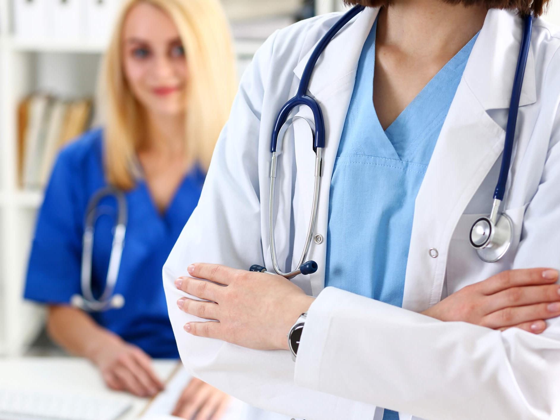 راهنمای خرید انواع پارچه بیمارستانی + بررسی ویژگی ها و تفاوت ها