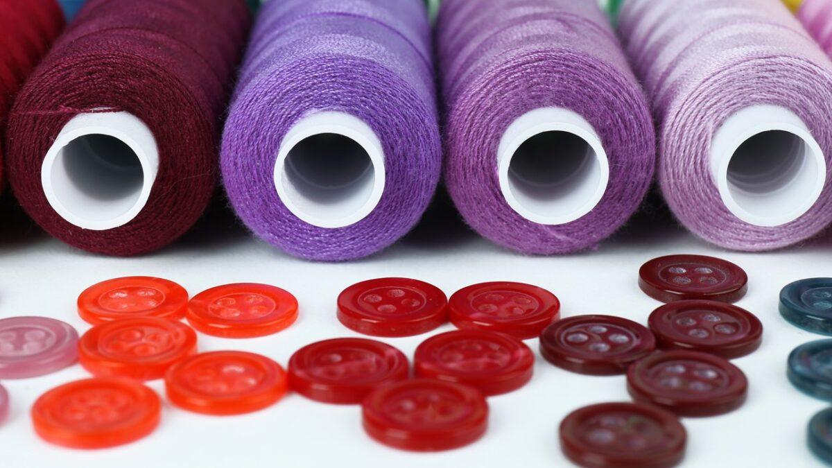 خرج کار چیست و چه کاربردی در تولید لباس دارد؟