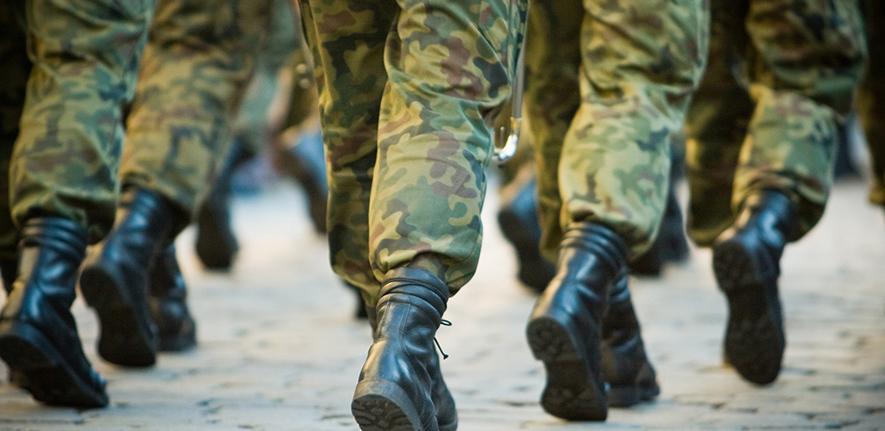 هرآنچه در مورد پارچه نظامی باید بدانید! + انواع پارچه نظامی و روشهای تولید آن