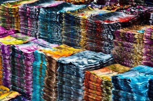 نمونه ای از چینش یک بنکداری (بنک داری) یا بخش لباس