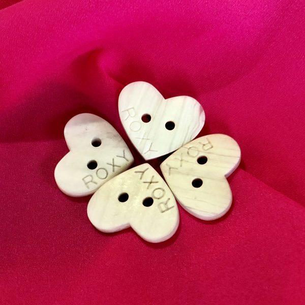 دکمه صدف طرح قلب (بسته ۱۰۰ عددی )
