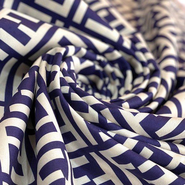 پارچه مخمل سوییت چاپی طرح فندی سورمه ای