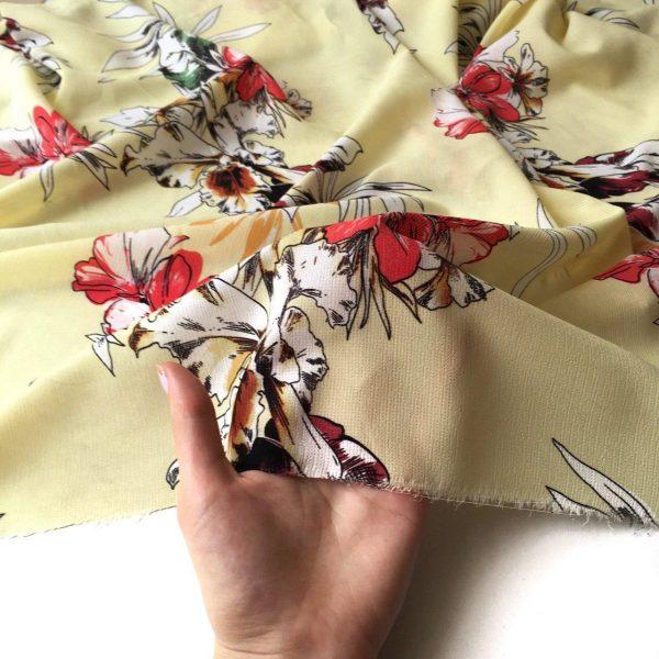 پارچه کریشه گلدار آرزو