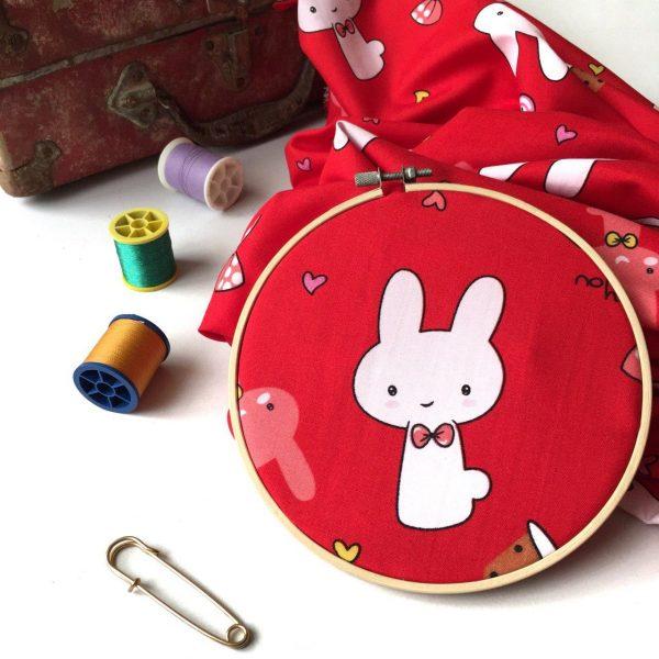 پارچه کرپ حریر خرگوشی کودکانه