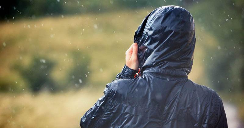 پارچه های مناسب برای دوخت بارانی