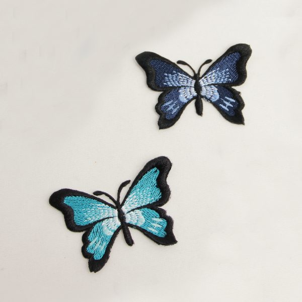 اپلیکه پروانه شاخکدار