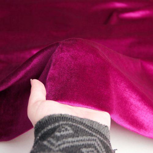 رنگ بنفش پارچه مخمل ساده آوینا - روچی