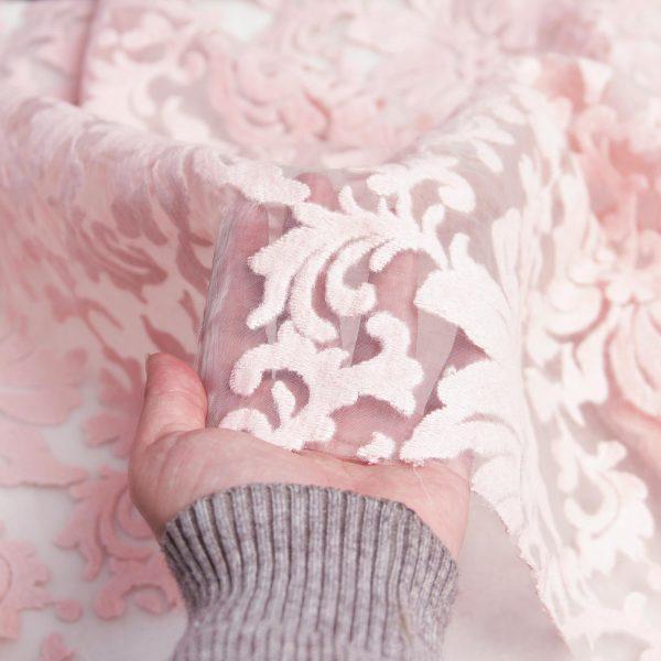 رنگ گلبهی پارچه ارگانزا خامه دوزی شده رامینا - روچی